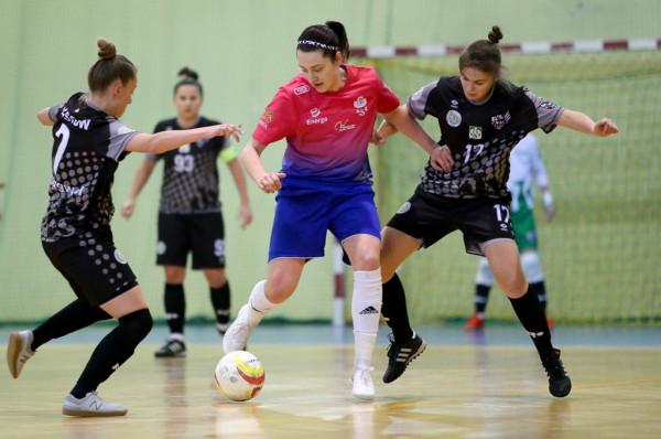 Futsalistki AZS UG mimo problemów z kontuzjami, liczą na kolejny awans do play-off ekstraligi.