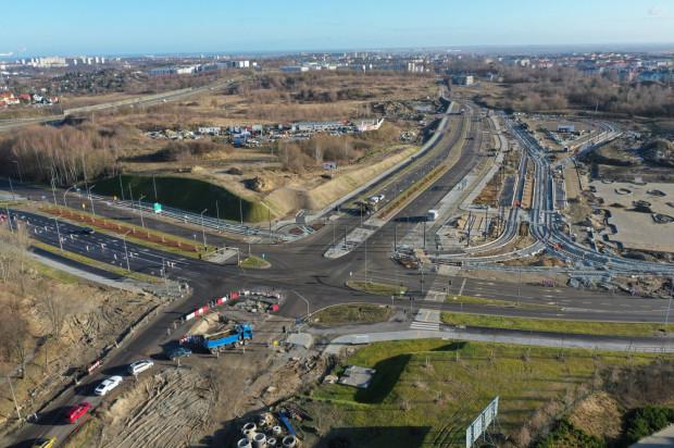 Trasa tramwajowa Nowa Warszawska będzie zaczynała się na węźle integracyjnym powstającym w ramach budowy al. Adamowicza.