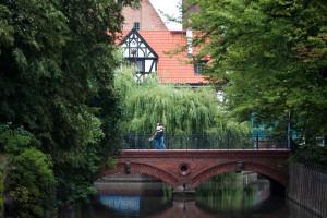 Położony nad Kanałem Raduni i skąpany w zieleni most przy ul. Korzennej może stać się gdańskim Mostem Miłości.