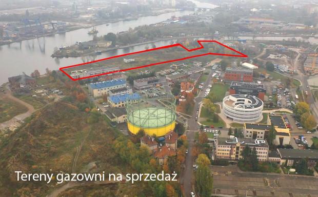 Teren gazowni, który wiosną zostanie wystawiony na sprzedaż graniczy z bulwarem nad Motławą i jest położony naprzeciwko Polskiego Haka.