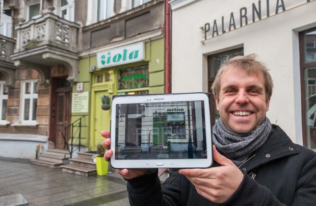 Jakub Knera prezentuje jeden z możliwych przykładów zmiany oznakowania sklepu z ziołami.