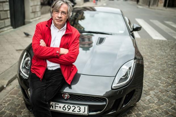 Przez kilkadziesiąt lat Tadeusz Jelec kierował zespołem projektantów tworzących wnętrza i nadwozia Jaguarów.