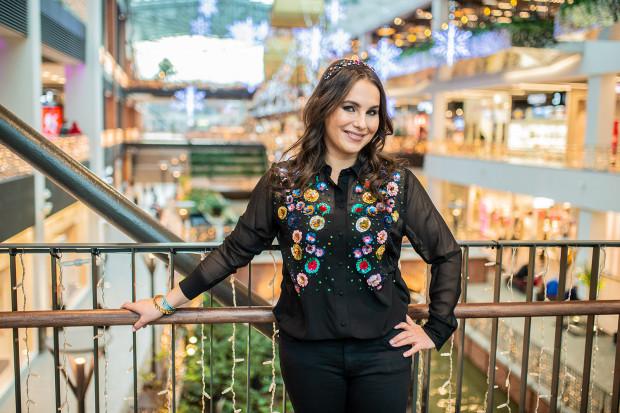 Karolina Bryl zdecydowała się podążać za swoją pasją i od kilku lat wspiera klientów w poszukiwaniu swojego stylu.
