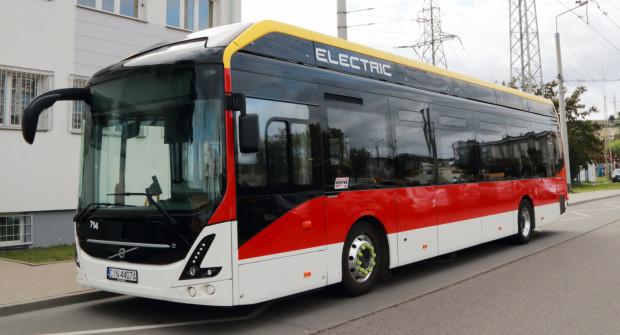 Elektrobusy pojawiały się już na ulicach Gdyni. Na razie w ramach testów.