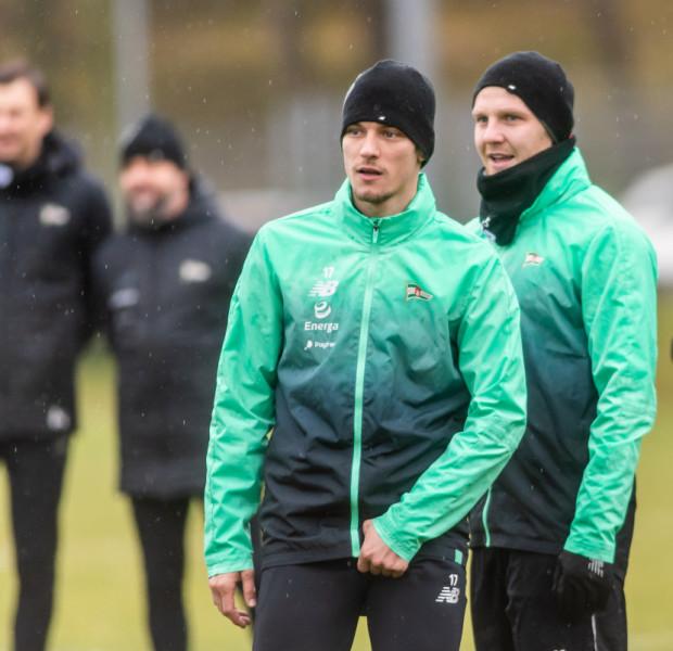 Lukas Haraslin i Daniel Łukasik trenowali z Lechią Gdańsk od początku okresu przygotowawczego, ale wiosną nie zagrają w biało-zielonych barwach. Obaj zostali wypożyczeni do zagranicznych klubów.