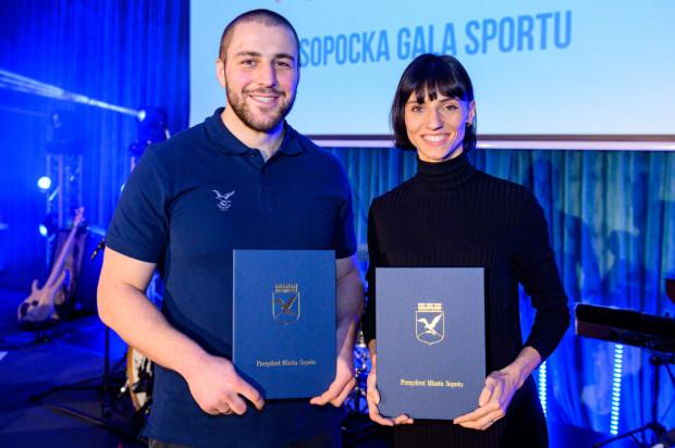 Najlepsi sportowcy Sopotu 2019 roku: Anna Kiełbasińska i Piotr Zeszutek.