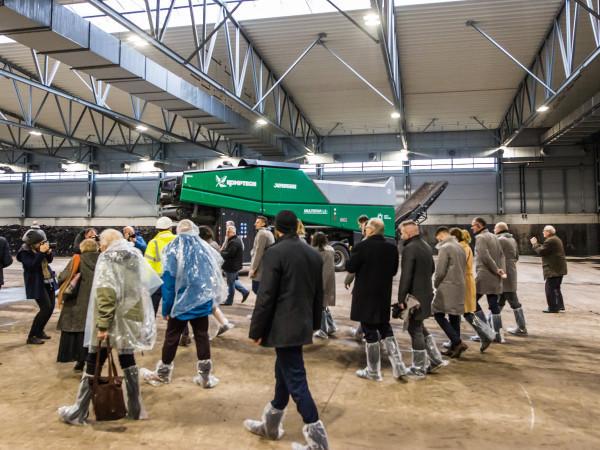 W piątek, 31 stycznia, oficjalnie otwarto nową kompostownię, po której oprowadzano gości specjalnej konferencji z tej okazji.