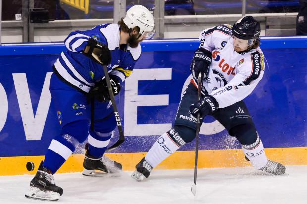 Hokeiści Lotosu PKH Gdańsk przegrali z Re-Plast Unią Oświęcim 1:2. Była to ich trzecia przegrana z oświęcimianami w tym sezonie.