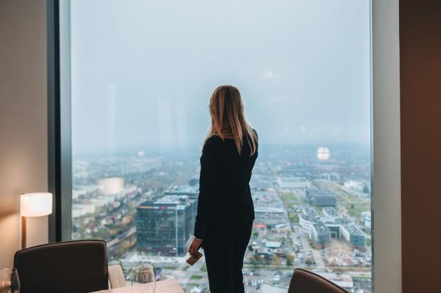 Na 32. piętrze budynku Olivia Star znajduje się taras widokowy.