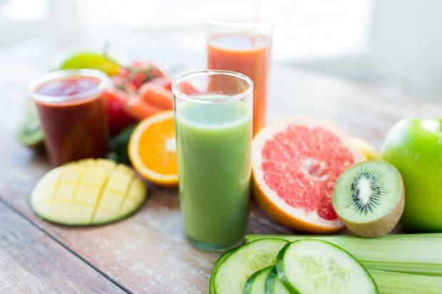 Zdrowe koktajle mogą służyć nie tylko detoksykacji, ale też przyspieszeniu metabolizmu czy uzupełnieniu diety o brakujące składniki odżywcze.
