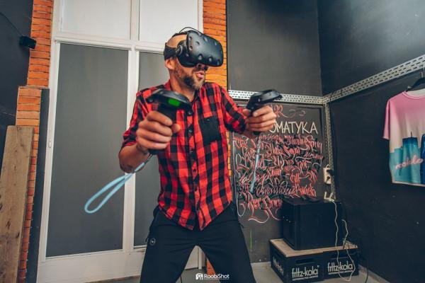 W pubie Fantomatyka zagramy we wszystko - od planszówek, przez retro konsole, aż po gry VR.