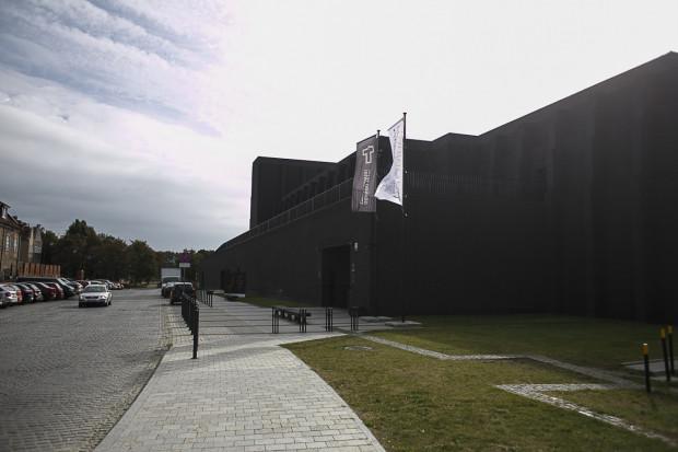 Gdański Teatr Szekspirowski ma dotacje nieznacznie wyższą niż rok temu. Na jego utrzymanie łożą wspólnie Urząd Marszałkowski i miasto Gdańsk. W sumie to kwota nieznacznie przekraczająca 5 mln zł.