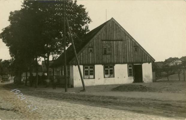 Pierwsza siedziba poczty Gdyni w latach 1882-1925 przy obecnej ul. Starowiejskiej, fot. Roman Morawski, 1927 r. (zbiory Muzeum Miasta Gdyni)