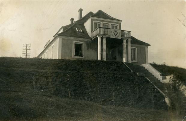 Siedziba poczty w Gdyni w latach 1925-1929, przy ul. Warszawskiej 11, 1925 (zbiory Muzeum Miasta Gdyni)