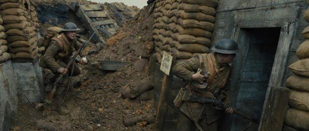 """""""1917"""" Sama Mendesa to jeden z głównych faworytów tegorocznego rozdania nagród Amerykańskiej Akademii Filmowej. Pewniakiem do Oscarów wydają się Mendes (reżyseria) i Roger Deakins (zdjęcia), ale wyróżnień (w kategoriach technicznych) może być znacznie więcej."""