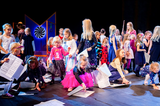 Spektakle edukacyjne w Operze Bałtyckiej angażują małych widzów w zabawę, przy okazji przybliżając świat muzyki.