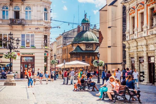 Lwów to bardzo ciekawe miasto na weekendowy wyjazd. Z Gdańska dolecicie bezpośrednimi połączeniami.
