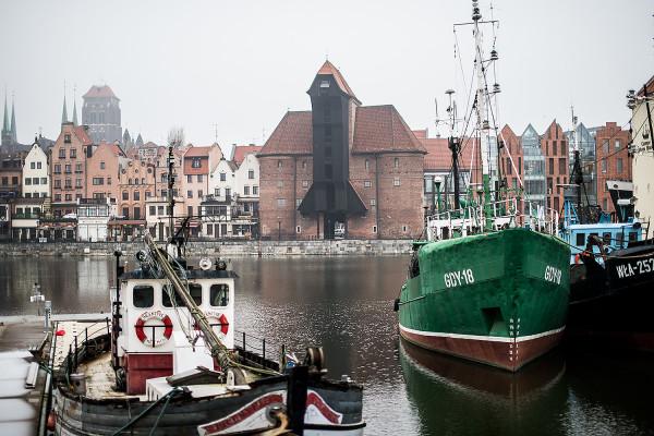 Kilkusetletni, zabytkowy Żuraw nad Motławą jest jednym z najważniejszych architektonicznych symboli Gdańska.