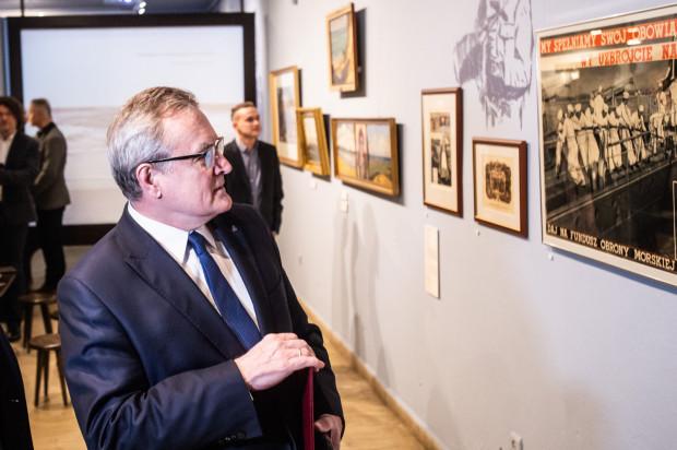 Na wernisażu obecny był wicepremier, minister kultury i dziedzictwa narodowego - Piotr Gliński.