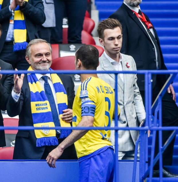 Czy powrócą takie chwile. Większościowy akcjonariusz Arki i władze Gdyni razem świętują sukces piłkarzy na Stadionie Narodowym w warszawie?