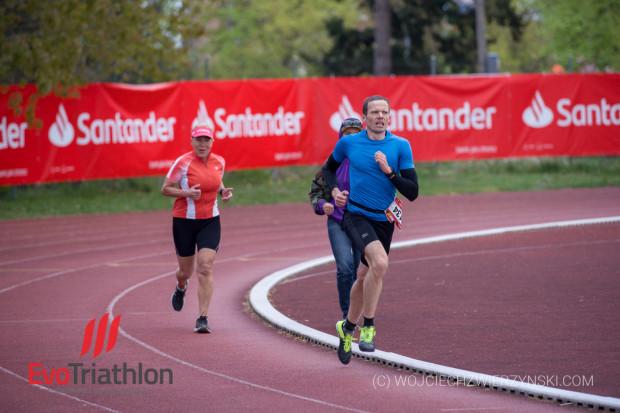Triathlon na gdańskiej AWFiS otwiera sezon startów triathlonowych.