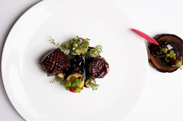 Współcześni szefowie kuchni chętnie czerpią z dawnych przepisów, ale traktują je jako inspirację.