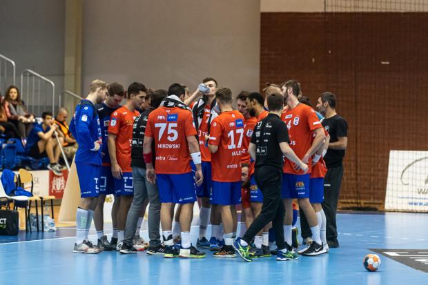 Torus Wybrzeże czeka na zwycięstwo od 4 grudnia. W Kaliszu gdańscy piłkarze ręczni przegrali dziewiąty oficjalny mecz z rzędu .