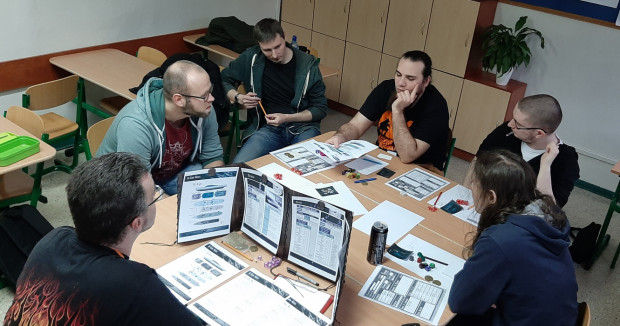 Sesje RPG pozwalają graczom wcielać się w najróżniejsze postacie.
