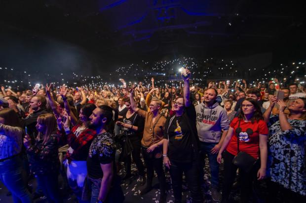 Publiczność podczas koncertu Queen Machine.