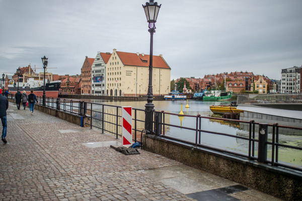 Długie i Rybackie Pobrzeże wymagają remontu. Miasto ogłosiło przetarg na opracowanie koncepcji, która ma być gotowa do marca przyszłego roku.