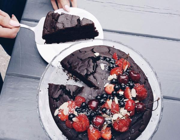 Brownie z owocami bez cukru