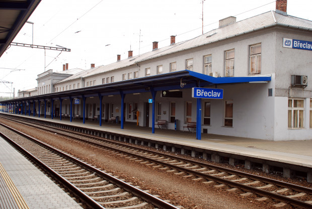 """Do znajdującego się na Południowych Morawach Brzecławia (Breclav) dojedziemy bez przesiadek z Trójmiasta pociągiem """"Sobieski"""", który kursuje między Gdynią i Wiedniem."""