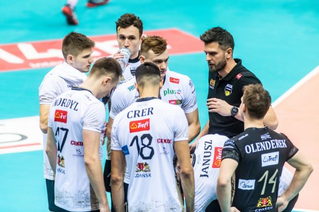 Siatkarze Trefla Gdańsk nie mieli żadnych argumentów w zaległym meczu 17. kolejki ze Ślepskiem Malow Suwałki i przegrali 0:3.