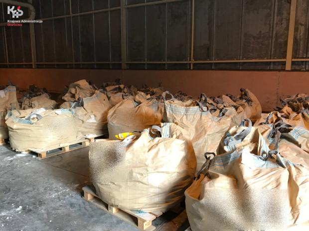 W workach znaleziono ponad ćwierć tony heroiny.