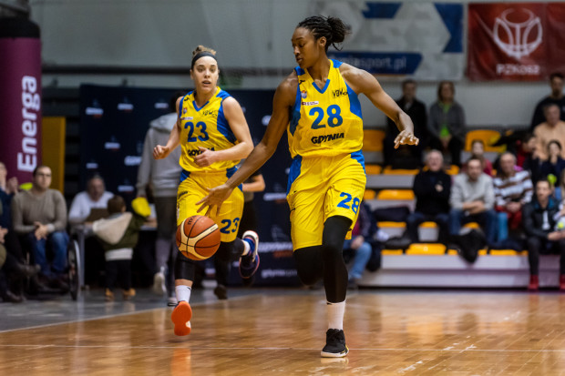Kayla Alexander (nr 28), Marissa Kastanek (23) i ich koleżanki rozpoczęły mecz z Eneą AZS Poznań od prowadzenie 22:2 po nieco ponad 6 minutach gry.