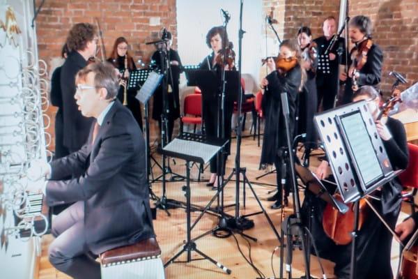 Podczas sobotniego koncertu orkiestra znajdowała się za organami, na muzycznym chórze.