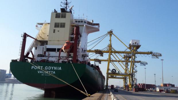 """Polskie Linie Oceaniczne wymienią flotę. Na zdjęciu znajdujący się pod zarządem PLO kontenerowiec m/s """"Port Gdynia""""."""