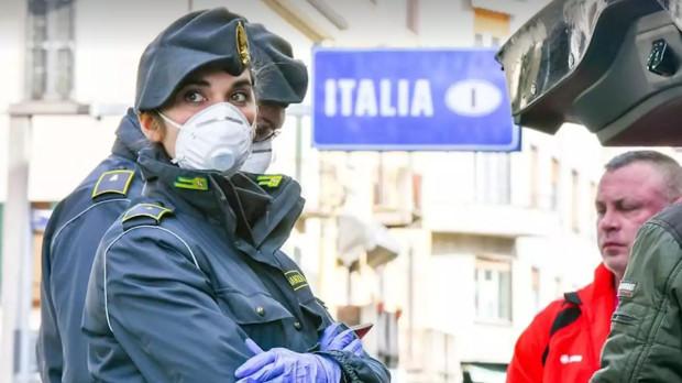 We Włoszech obostrzenia wprowadzono z dużym opóźnieniem.