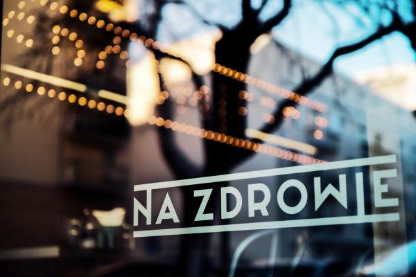Restauracja Śródmieście w Gdyni to jeden z wielu lokali, który w trosce o gości wprowadził specjalne środki bezpieczeństwa.