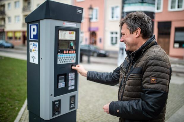 Od końca czerwca kierowcy korzystający ze Śródmiejskiej Strefy Płatnego Parkowania za pierwszą godzinę parkowania zapłacą 5,5 zł.