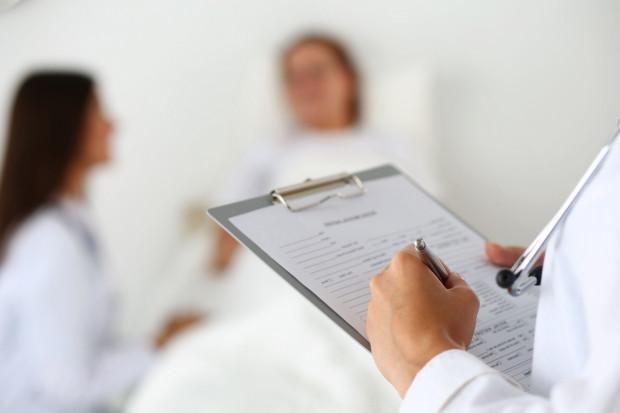 MNiSW informuje, że studenci uczelni medycznych mogą zdecydować się na wsparcie służb medycznych i sanepidu w ramach wolontariatu.