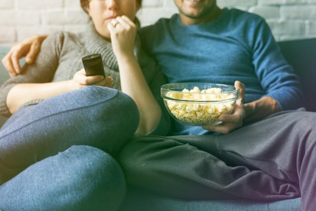 Za legalne obejrzenie najlepszych i najnowszych filmów w internecie trzeba płacić. Sporo klasyków i całkiem świeżych jeszcze tytułów można jednak znaleźć w wielu serwisach typu VOD. I nie trzeba za nie płacić.