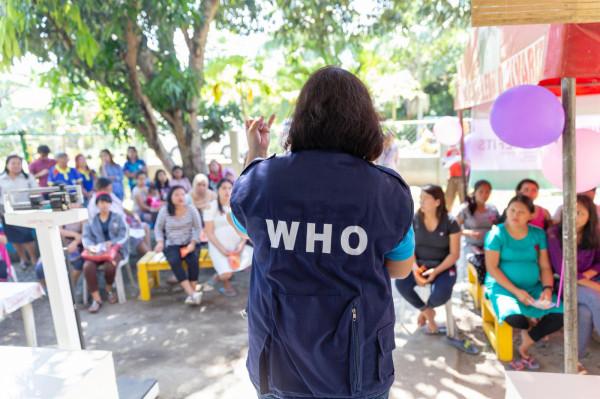 WHO, czyli Światowa Organizacja Zdrowia, to organizacja działająca w ramach ONZ, która przygotowała wytyczne do opieki nad chorymi na COVID-19.