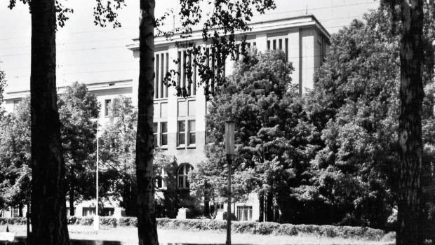 Gmach WSE w Sopocie (dziś: Wydział Zarządzania UG), 1967 r. (fot. Jan Karpal, PAN Biblioteka Gdańska)