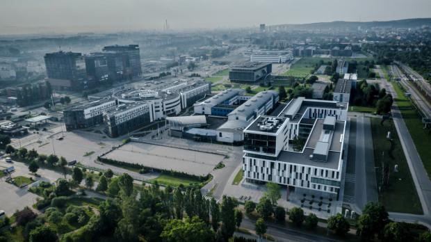 Uniwersytet Gdański to dynamicznie rozwijająca się uczelnia, największa w regionie pomorskim, która łączy tradycję z nowoczesnością.