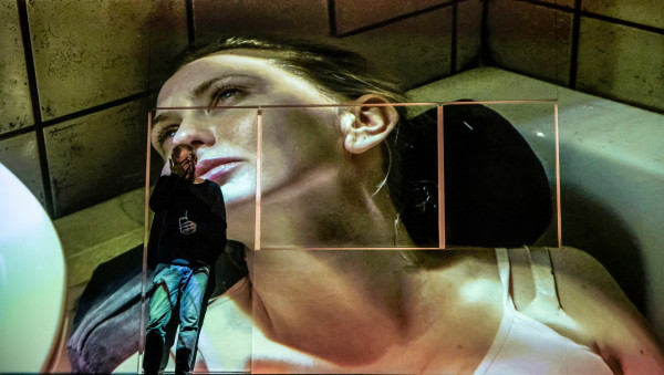 """Spektakl TR Warszawa """"Cząstki kobiety"""" w reż. Kornéla Mundruczó zostanie pokazany jednorazowo na Facebooku TR Warszawa w sobotę, 21 marca. To największe wydarzenie teatralne weekendu."""