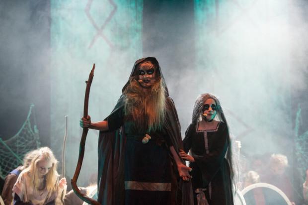 """Spektakl """"Wikingowie. Musical nieletni"""" Teatru Komedii Vallal w całości jest udostępniony przez twórców w internecie."""