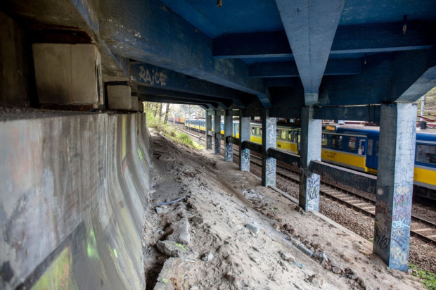 Trzeci etap remontu wiaduktu dotyczy przede wszystkim spodu konstrukcji.