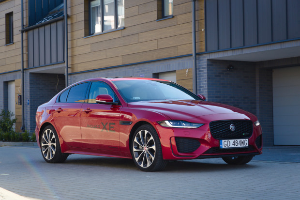 Jaguar XE 2020 po faceliftingu.