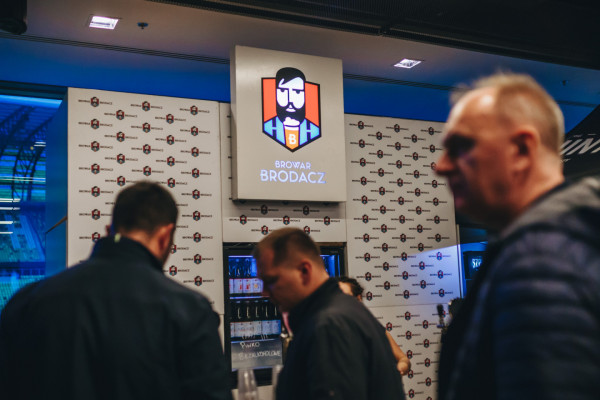 Browar Brodacz uruchomił platformę, za pomocą której mieszkańcy Trójmiasta mogą zamawiać produkty od lokalnych producentów wyrobów kraftowych. Przy okazji kupujący będą wspierać walkę z koronawirusem.